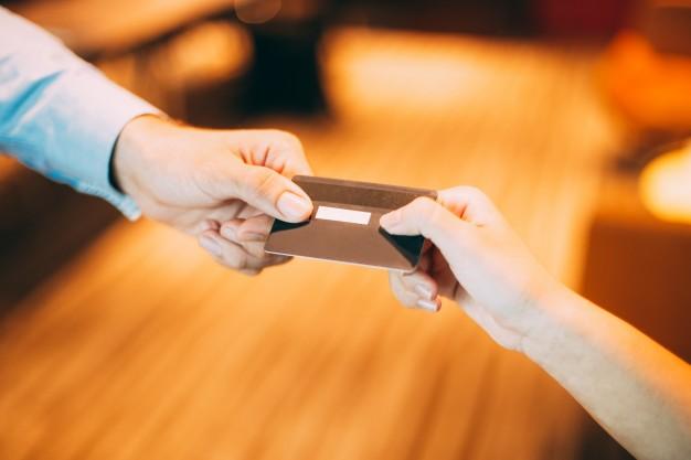 ¿Quién paga los gastos de notaría en una compraventa de vivienda de segunda mano?