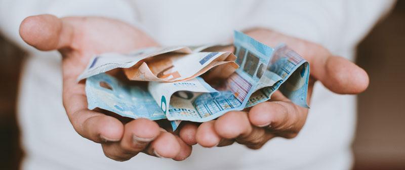 ¿Quién paga los gastos de una compraventa?